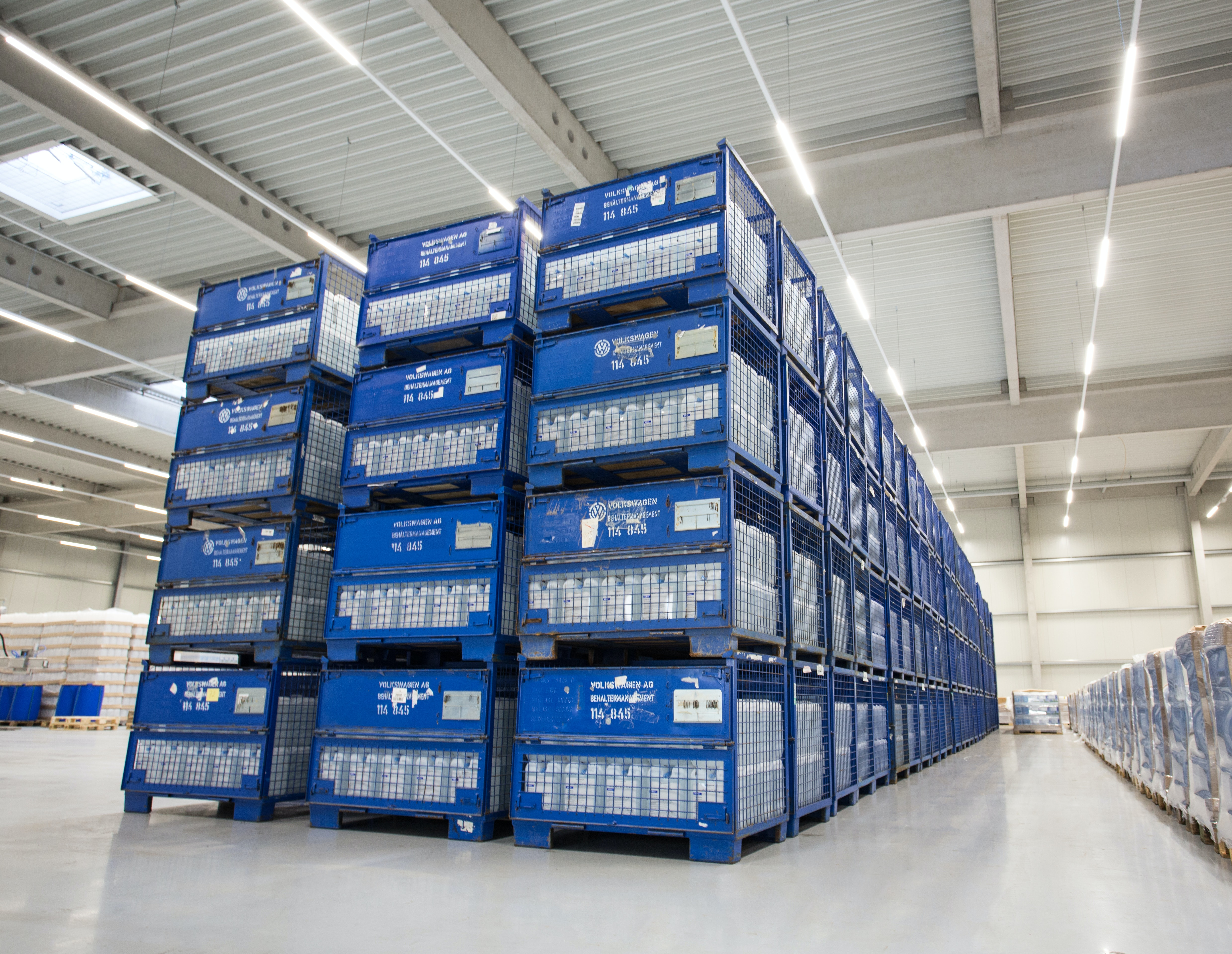 Hamm storage of AdBlue canister